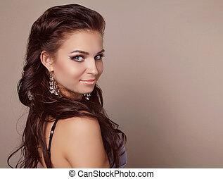 有吸引力, 微笑的婦女, 肖像, 由于, 頭髮麤毛交織物風格