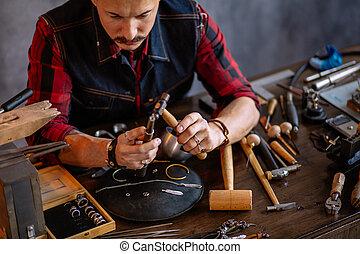 有才能, 形式, 給, 年輕, goldsmith, 戒指