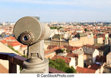 望遠鏡, 上, a, 觀點, 在, 薩格勒布, 克羅地亞