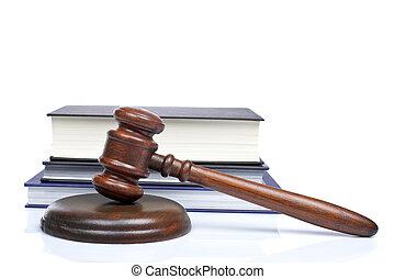 木制的木槌, 同时,, 法律书