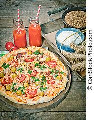 木製である, おいしい, サービスされた, テーブル, ピザ, イタリア語