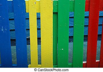 木製である, カラフルである, フェンス