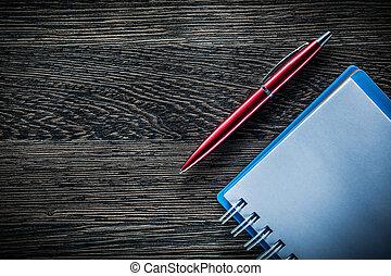 木製である, 型, メモ用紙, らせん状に動きなさい, ペン, 板, ブランク