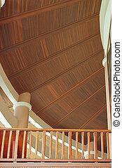 木製である, 天井