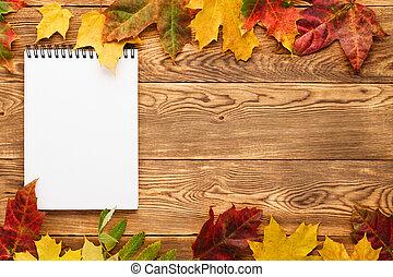 木製である, leaves., 黄色, ノート, 空, 背景, 赤