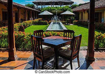 木製のテーブル, グラナダ, jardin, ニカラグア