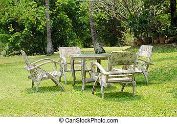 木製のテーブル, 古い, 庭