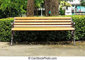 木製のベンチ, 中に, a, 都市 公園