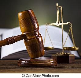 木製の年金, そして, 法律書