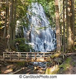 木製の橋, オレゴン, ramona, 落ちる