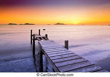 木製の橋, 海景