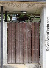 木頭, 棕色的門, 前門