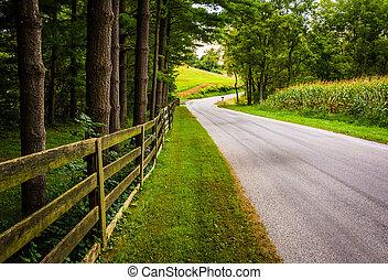 木, そして, フェンス, 前方へ, a, 土の 道, 中に, 田園, ヨーク, 郡, pennsylvania.