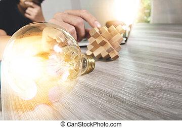 木, 概念, タブレット, ライト, ラップトップ, 困惑, 手, コンピュータ, デザイン, 電球, 創造的, 提示