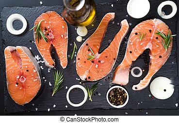 未加工, スパイス, 暗い, ローズマリー, 鮭, 玉ねぎ, 不飽和, 脂, 3, 食事, 石, オメガ, 背景, ステーキ, 概念
