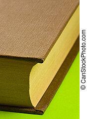 本, 緑の背景