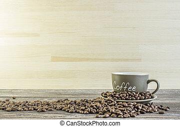杯咖啡用豆, 站立, 上, a, 木製的桌子