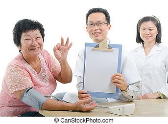 東, 医者, 民族性, の上, の間, 女性, 健康診断, 親指, シニア, 中国語, 医学, アジア人