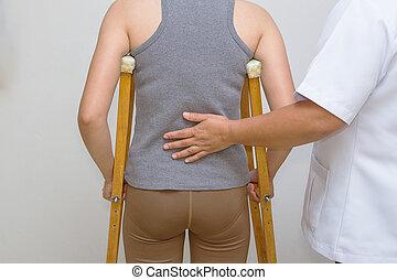 松葉ずえ, 患者, 歩きなさい, リハビリテーション, セラピスト, 助け, 健康診断