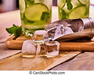板, 木製である, ice., 大さじ, mohito, ガラス