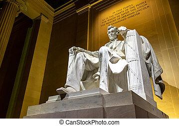 林肯紀念館, 雕像
