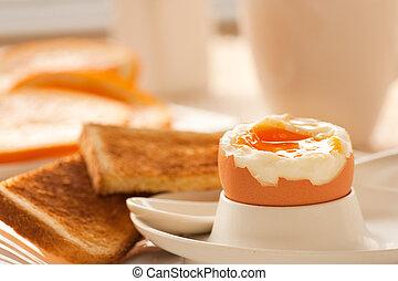 柔軟的煮沸蛋