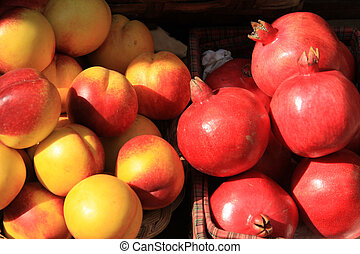 桃, そして, ザクロ