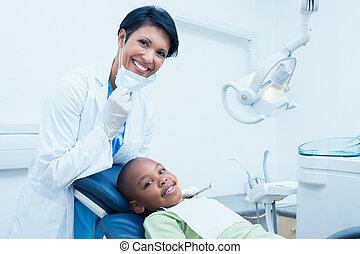 検査, 男の子, 歯科医, 女性, 歯, 肖像画, 微笑