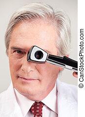 検眼士, opthalmoscope