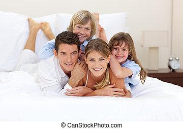 楽しい時を 過すこと, 一緒に, 家族, 朗らかである