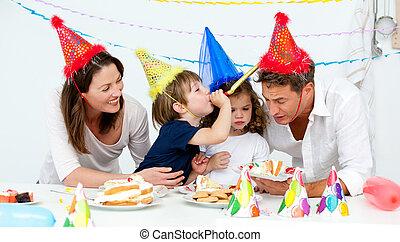 楽しみ, の間, birthday, 持つこと, 家族