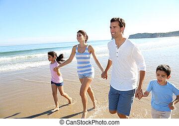 楽しみ, 動くこと, 浜, 持つこと, 家族