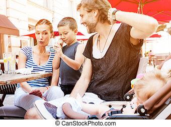 楽しみ, 男の子, 幸せな家族, 映像