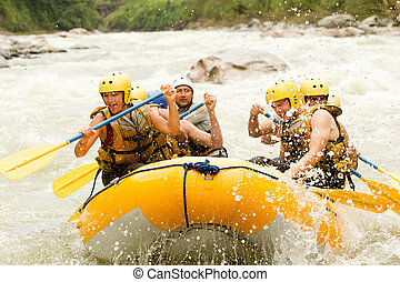 楽しみ, whitewater, 川, いかだで運ぶこと
