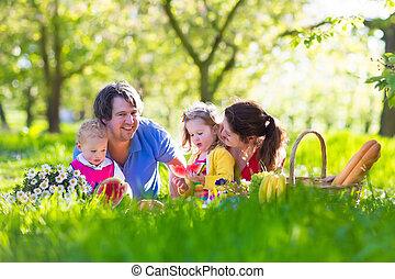 楽しむ, ピクニック, 庭, 家族, 咲く