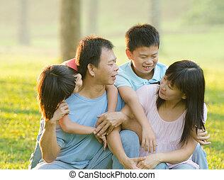 楽しむ, 屋外, 公園, アジア 家族