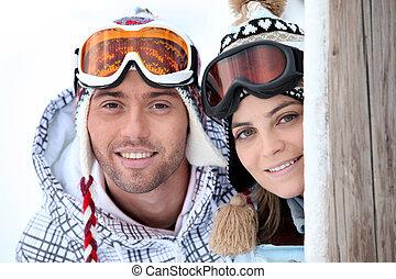 楽しむ, 恋人, 若い, 遊び好きである, ∥(彼・それ)ら∥, スキー 休日