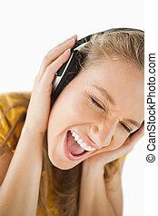 楽しむ, 音楽, ヘッドホン, 女, ブロンド, クローズアップ
