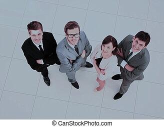 概念, の, trust:successful, ビジネス チーム, ある, 地位, 中に, ∥, 中央の