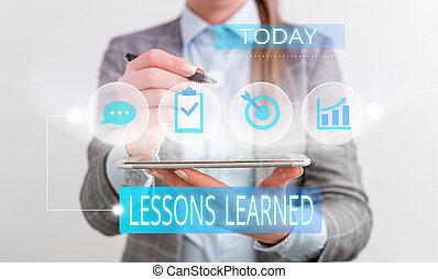 概念, 人間, テキスト, 女性, レッスン, 使用, 知識, device., スーツ, プレゼンテーション, 痛みなさい, 理解, learned., 意味, ウエア, 形式的, gained, 労働経験, 提出すること, 手書き, ∥あるいは∥