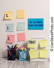 概念, 壁, テキスト, 付せん, desk., 適切である, 識別しなさい, あなたの, 情報, サービス, ポット, らせん状に動きなさい, 執筆, 2, あなた, 鉛筆, question., 意味, ノート, 知りなさい, クライアント, カード, 顧客, 10, メモ, 仕事, 手書き