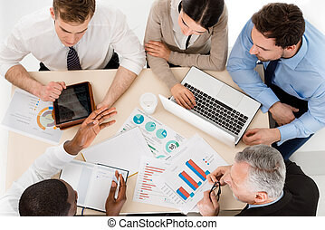 概念, 多少數民族成員, 商業組