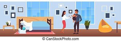 概念, 家族, 現代, 新生, フルである, 寝室, 父, 内部, 幸せ, 平ら, 女, 親であること, 子供, 赤ん坊, 横, 人, 一緒に, 持つこと, 長さ, 母, 楽しみ, 遊び