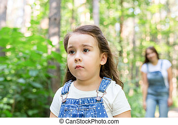 概念, 家族, 自然, 公園, -, の上, おこらせている, 子供, 終わり, 肖像画, 女の子