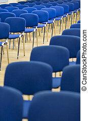 横列, の, 現代, 椅子, 並んで立つ, 中に, ∥, 空, 講堂