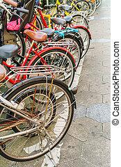 横列, 自転車, 駐車