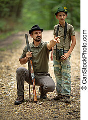 樹林, 別動隊員, 他的, 兒子
