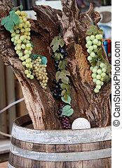 樽, 古い, 上に, 木, ブドウ, 群がる, 店, ワイン