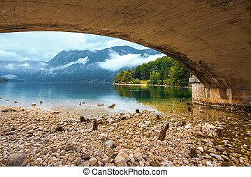 橋眺め, 湖, bohinj, 下に