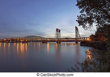 橋, コロンビア, 上に, 後で, 日没, 川, 州連帯